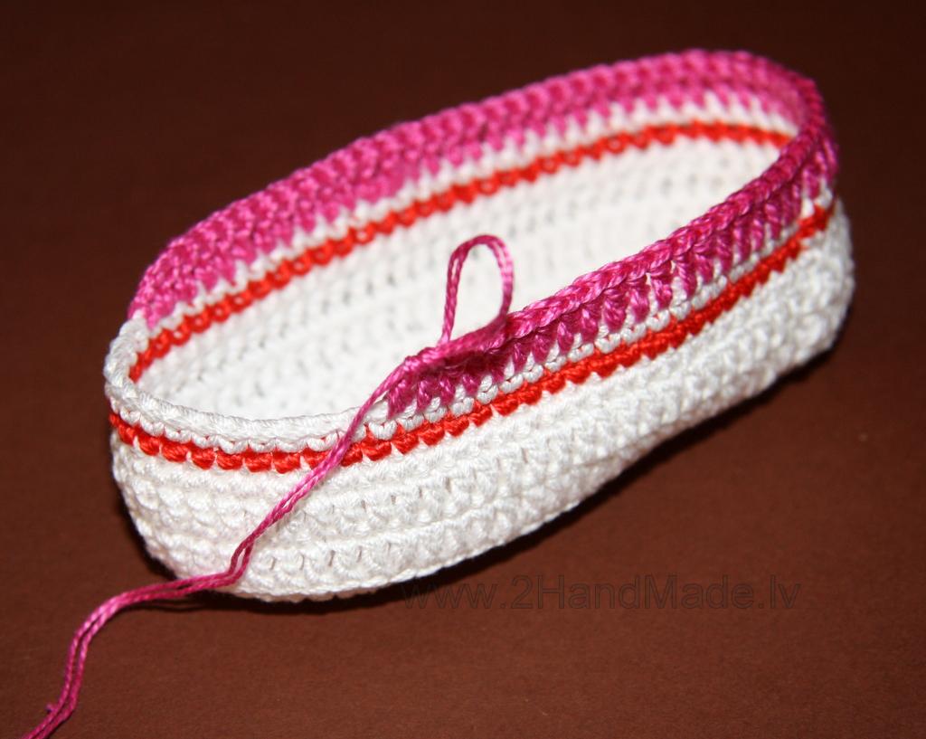 вязаные детские кроссовки крючком схема вяжем пинетки кеды
